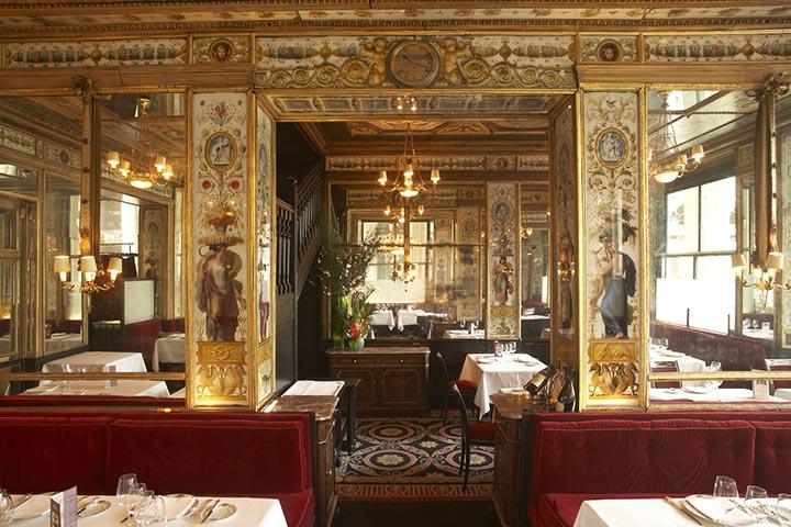 https://robert-parker-michelin-sg-prod.s3.amazonaws.com/media/image/2016/07/08/857bb2910117412fbe75e3ba184e2ca1_Le+Grand+Vefour+-+Dining+Room.jpg