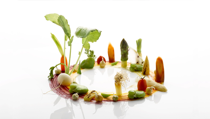 https://robert-parker-michelin-sg-prod.s3.amazonaws.com/media/image/2017/09/07/e95172aa9f2e40deb344682d6f31a82f_Saint-Pierre_Season_Seasonal-vegetables-of-heirloom-carrots%2C-baby-white-radish%2C-baby-corn%2C-snow-pea%2C-broad-bean%2C-sprouted-chickpea%2C-japanese-tomato%2C-white-and-green-asparagus.jpg