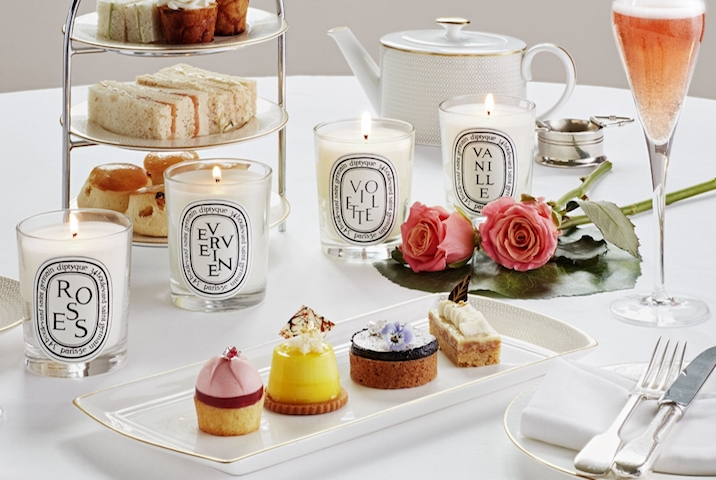 在 Hotel Café Royal,Diptyque 香氛蠟燭下享受充滿情調的午茶時光。