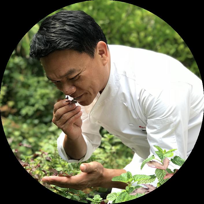 https://robert-parker-michelin-sg-prod.s3.amazonaws.com/media/image/2018/04/11/6cd625d31fc04b92b1d4becc99e07b93_Chef+Ian+Kittichai+at+Tangerine%27s+Herb+Garden+%283%29.png